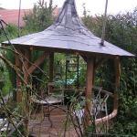 Gartenlaube Hexenhaus ohne rechten Winkel