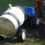 Güllefass für Trettraktor aus Milchtanse