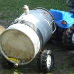 Güllenfass für Trettraktor aus Milchtause